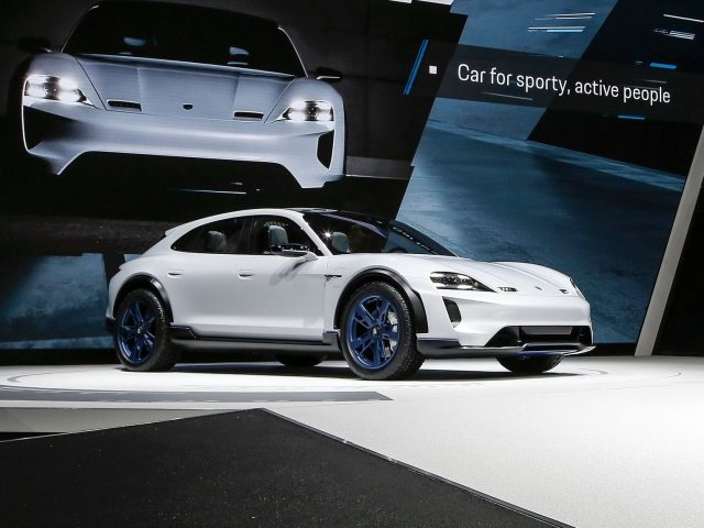 2018 Porsche Mission E Cross Turismo