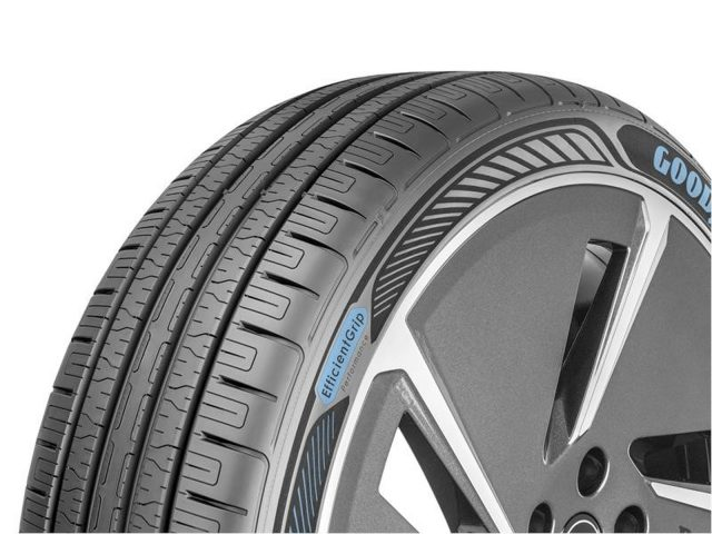 Goodyear EfficientGrip Performance 3