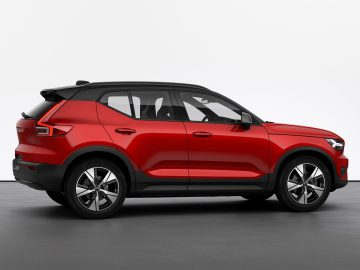 Volvo XC40 Recharge - Fusion Red
