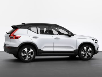 Volvo XC40 Recharge - Inscription Crystal White