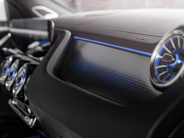 Mercedes-EQ, EQA 250, Interieur, Nevagrau, Edition 1. EQA 250 (Stromverbrauch kombiniert: 15,7 kWh/100 km; CO2-Emissionen kombiniert: 0 g/km) // Mercedes-EQ, EQA 250, Interior, neva grey, Edition 1. EQA 250 (combined power consumption: 15.7 kWh/100 km, combined CO2 emissions: 0 g/km)